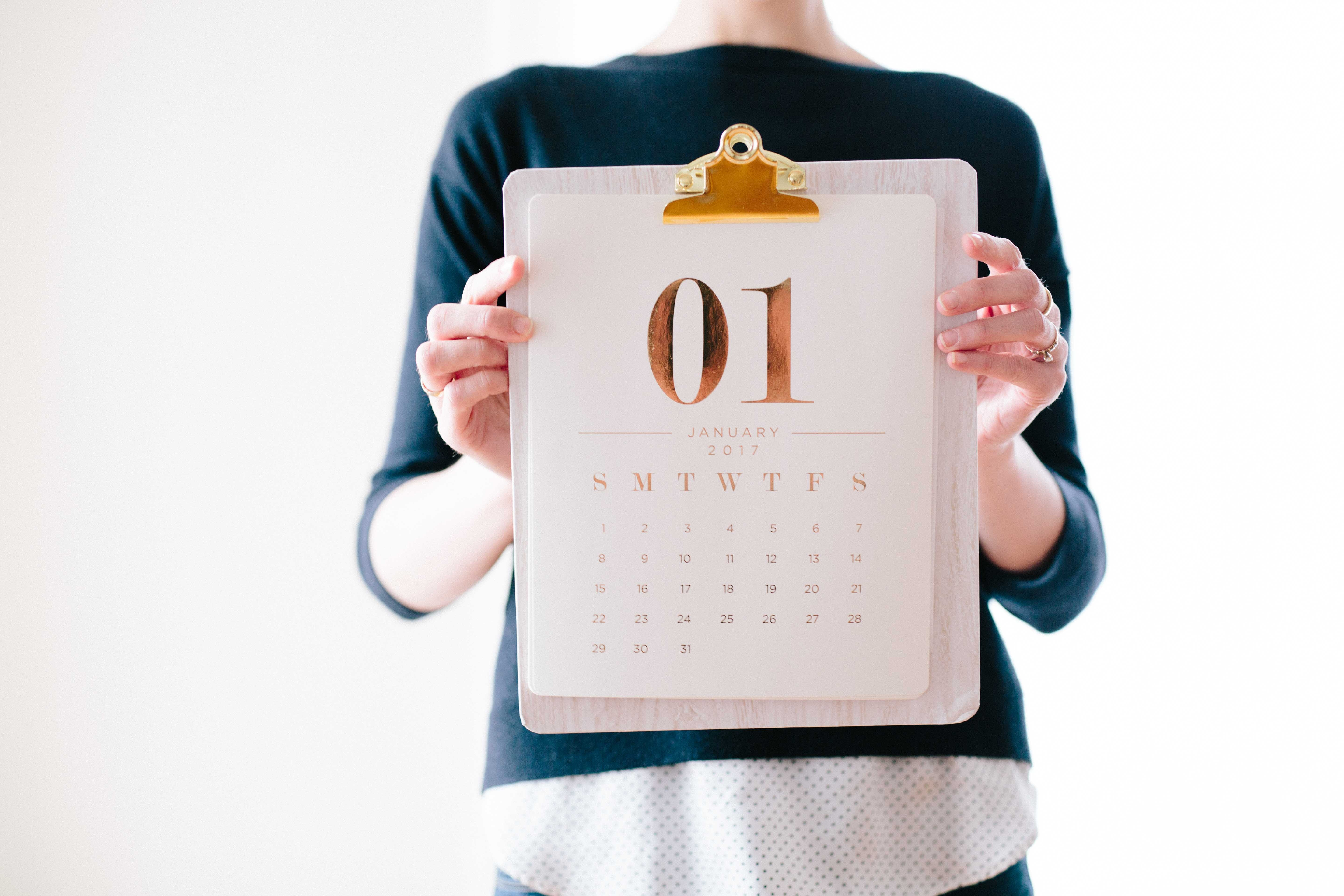 The Power Of A 90 Day Year. Setting 90 day #goals can #change your #life. And the best bit is it literally be done anywhere - in your planner, bullet journal! Whatever works for you. It makes tracking your goals so much easier! #goalsetting #motivation #bossbabe #girlboss #momboss #planning