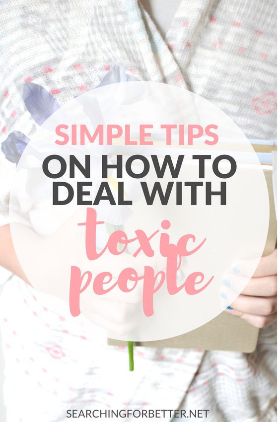 Simple tips for dealing with negative people (especially when they're in our families!). Learn how to deal with toxic people and #friends in your life so you can stop dealing with their negative thoughts and vibes and be happier! #mind #mindset #wellness #healthylifestyle #lifestyle #happy #happiness