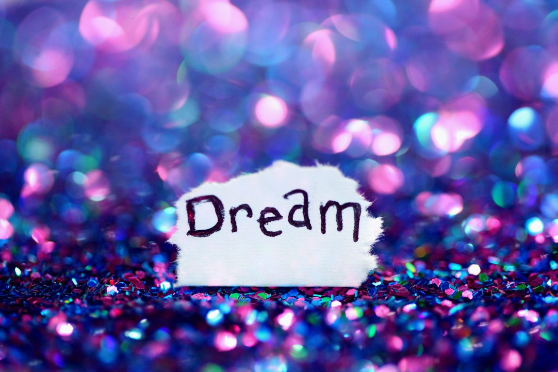 10 Ways To Manifest Your Dreams